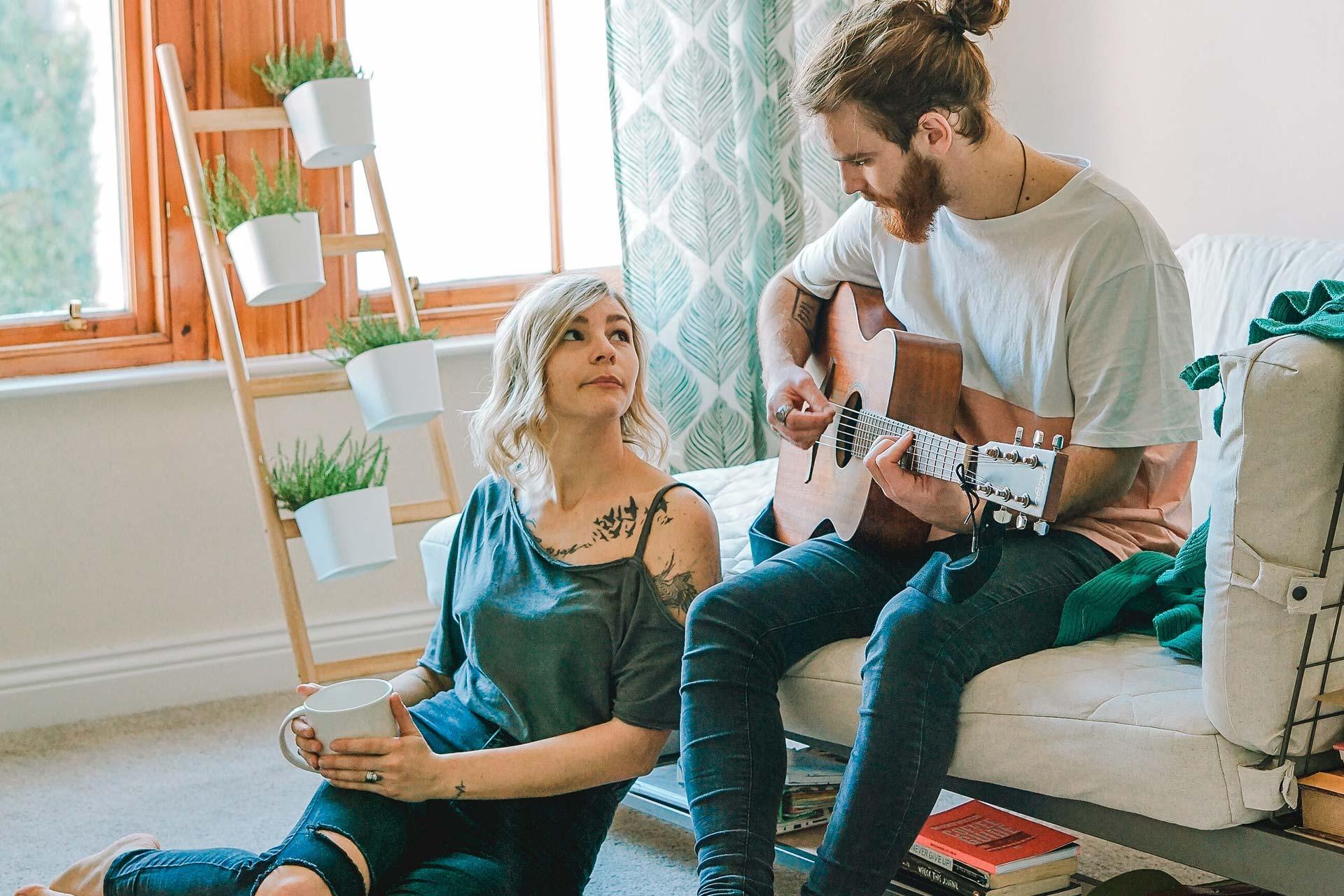 para-gra-na-gitarze-akustyczne-nauka